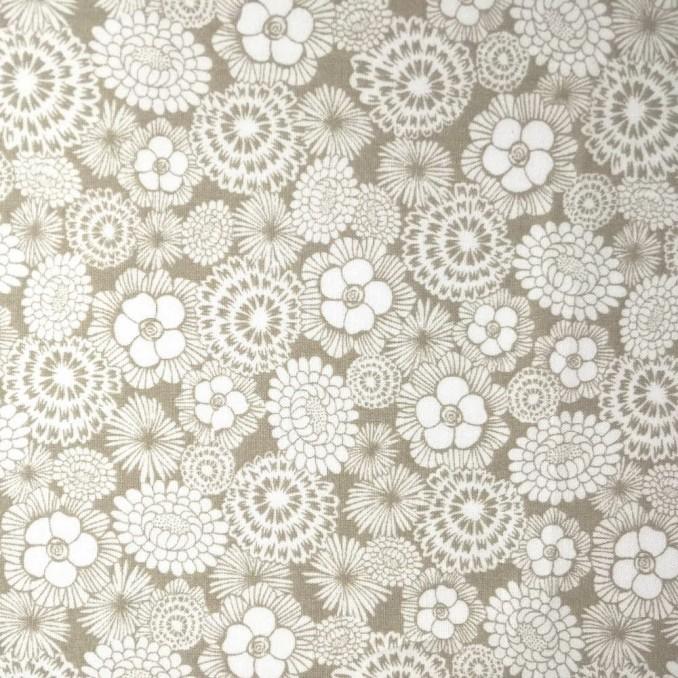 Algodón | floral beige y blanco