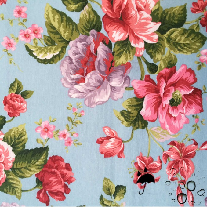 Tela resinada anti-manchas cielo floral